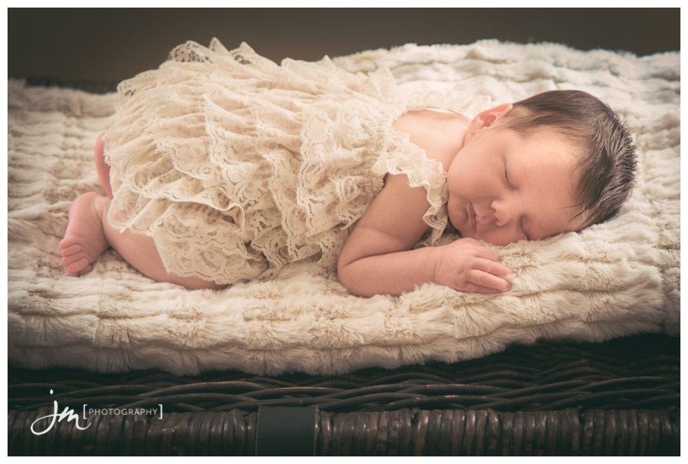 150411_062-Newborn-Photography-Calgary-JM_Photography-Amy-Cheng