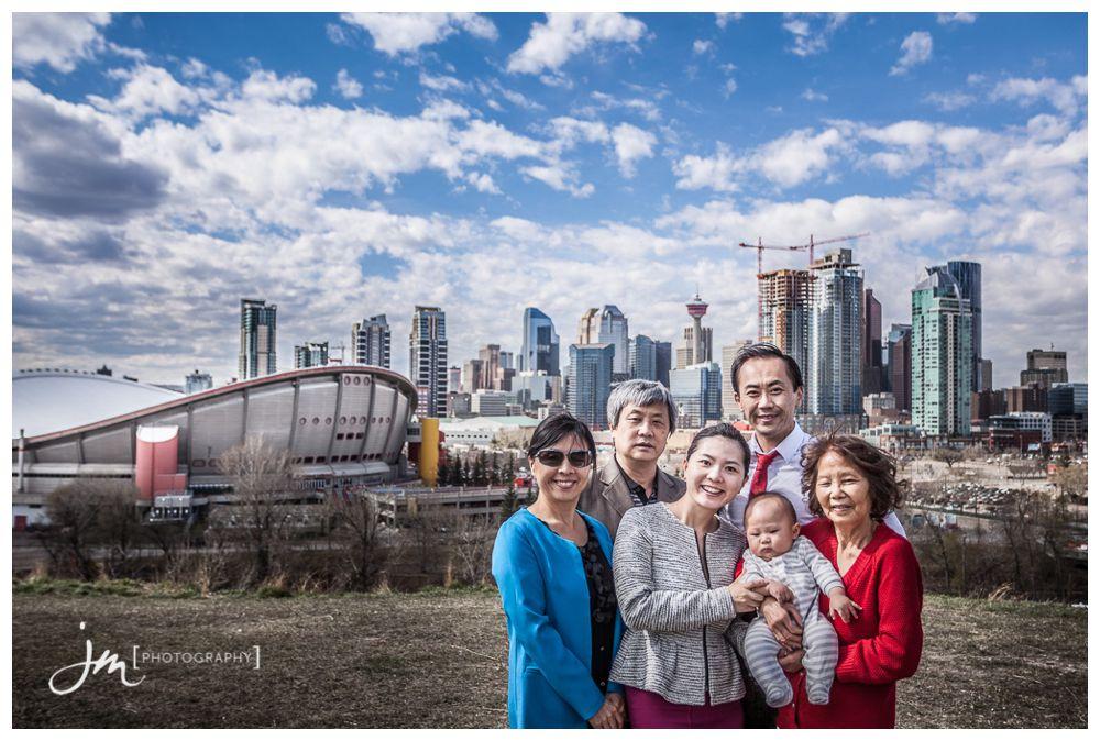 150421_028-Calgary-Family-Photographers-JM_Photography-Jeremy-Martel-Scottsman-Hill