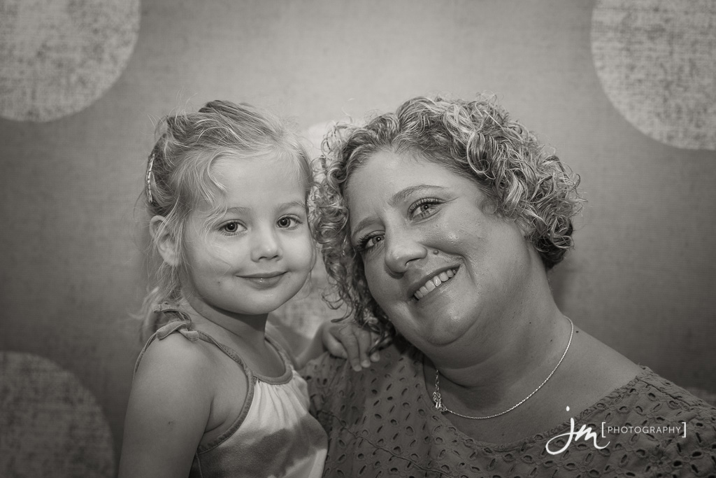 150804_010-Mommy-Connections-Newborn-Photography-Calgary-JM_Photography
