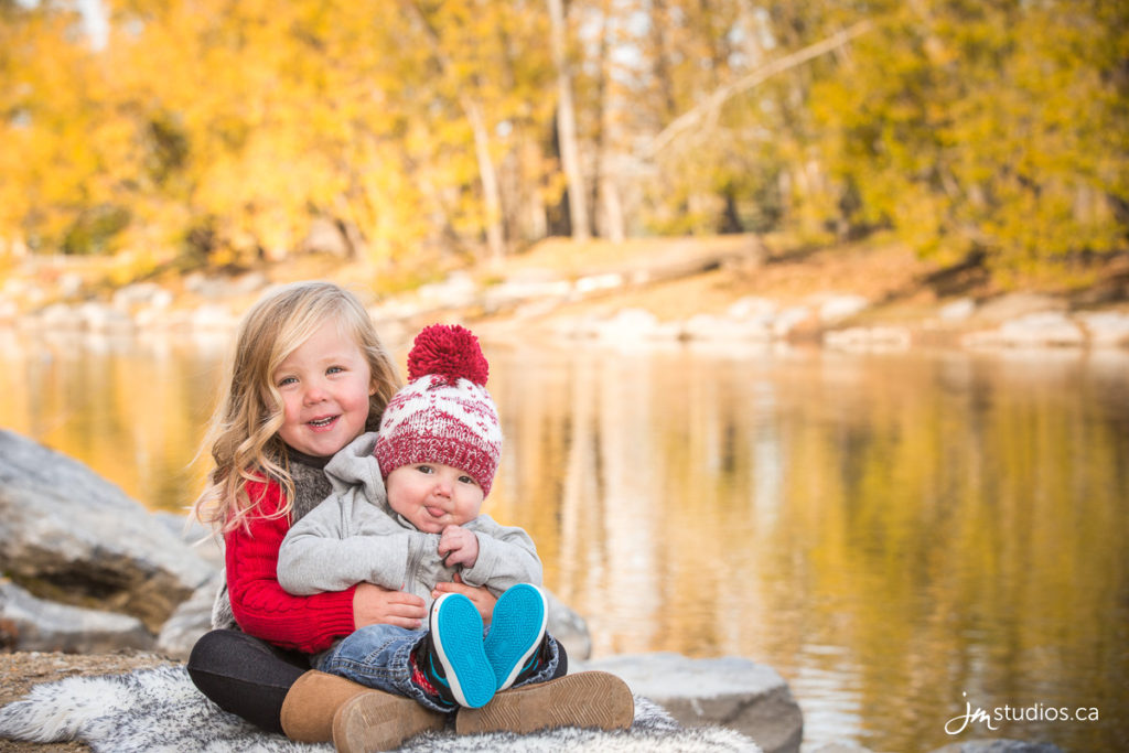 The Bourque #MiniSession in Eau Clair. #FamilyPhotos by Calgary Family Photographers JM Photography © 2016 http://www.JMportraits.ca #FamilyPhotography