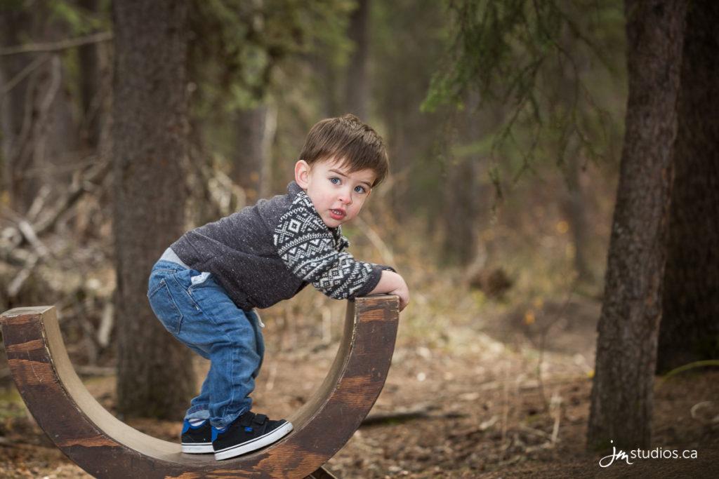 The Hammer Mini #Family Mini Session in Fish Creek Park. #FamilyPhotos by Calgary Family Photographers JM Photography © 2016 http://www.JMportraits.ca #JMportraits #JMstudios #JMphotography #FamilyPhotography #MiniSession