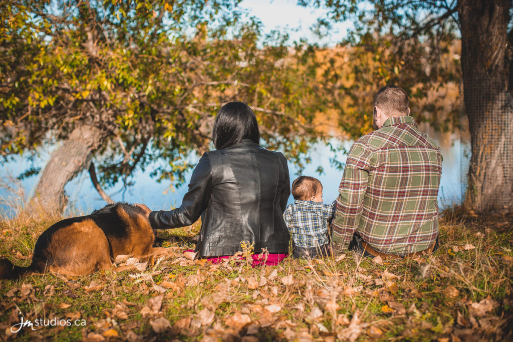 The Campbell #Family Session at Carburn Park along the Bow River. #FamilyPhotos by Calgary Family Photographers JM Photography © 2016 http://www.JMportraits.ca #JMportraits #JMstudios #JMphotography #FamilyPhotography