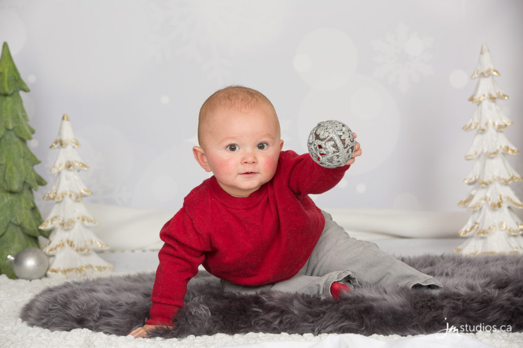 Smith's #Family Christmas Mini Session at our Studio. #FamilyPhotos by Calgary Family Photographers JM Photography © 2016 http://www.JMportraits.ca #JMportraits #JMstudios #JMphotography #FamilyPhotography