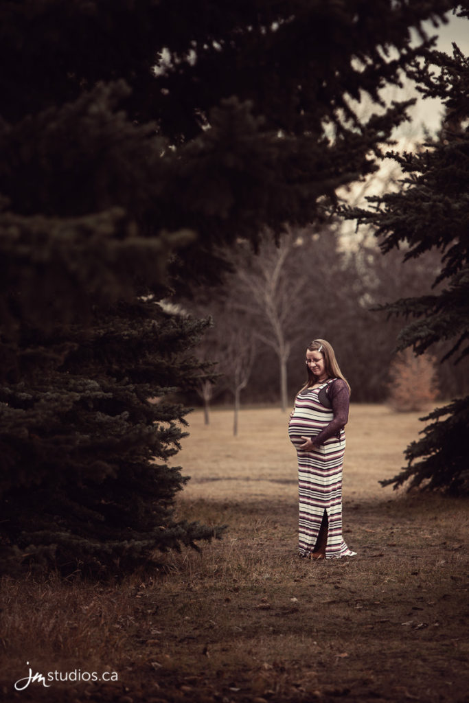 Stephanie & Michael's #Materntiy Session at North Glenmore Park. Maternity Photography by Calgary Maternity Photographers JM Photography © 2016 http://www.JMstudios.ca #JMportraits #JMstudios #JMphotography #MaternityPhotography #MaternityPhotos #CalgaryMoms #MomToBe #BabyBump #PreciousMemories